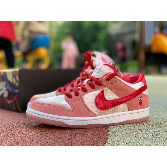 Mens/Womens StrangeLove x Nike SB Dunk Low Valentines Day